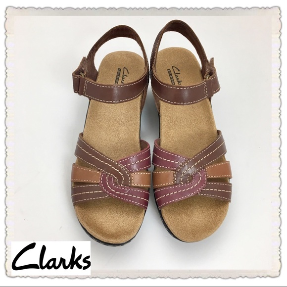 83a792435f0 NWT Clarks Ankle Straps Brown Comfortable Flatform